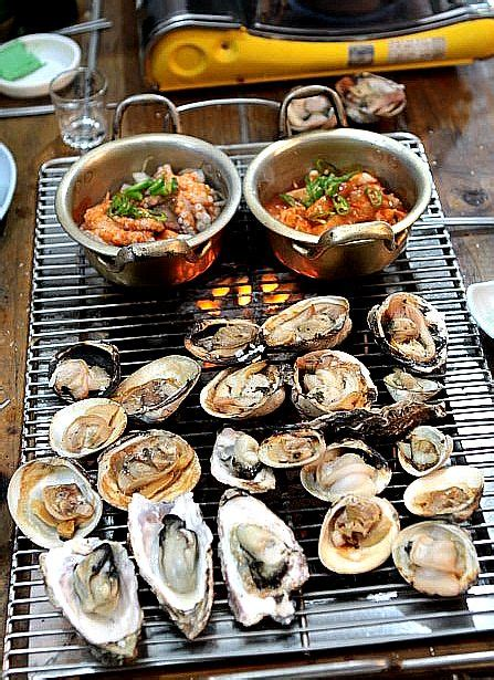 Seafood Picks Korekan Seafood Isi 2 seafood korean bbq daeha seafood bbq in south korea korean bbq is when you grill your own