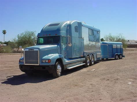 Big Rig Sleepers by Big Rig With A Really Neat Cer Sleeper Trailer Photo