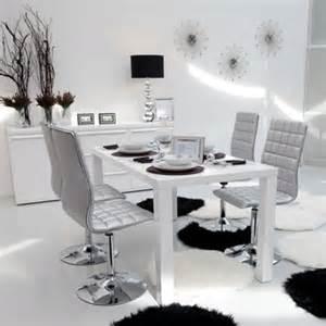 chaise couleur argent de conforama des chaises tendance