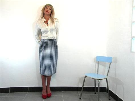 checkered pencil skirt blue and white size m l nathalie vintage clothing retro