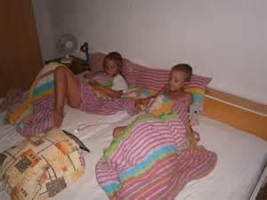 Icdn Ru Little Sister Hot Girls Wallpaper