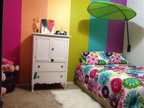 rainbow bedroom ideas my 5 year old s rainbow room girls rooms pinterest