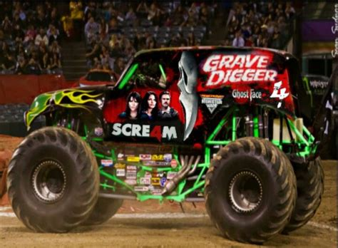the original grave digger monster truck grave digger scre4m monster trucks pinterest monster
