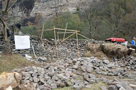freistehende mauer bauen freistehende trockenmauer bauen trockenmauerkurs ch