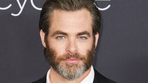 Chris Pine Hairstyle by Chris Pine Cut His Hair And We Re Not Sure How To Feel