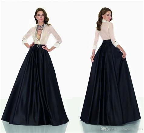 Classic Black And White Two Pieces Mother Bridal Dresses Long Sleeves See Through Top Satin