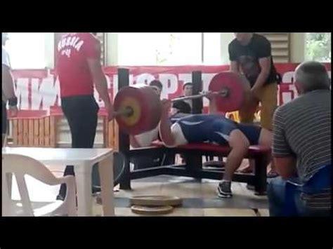 igor olshansky bench press supino reto barra cai sobre o peito e atleta morre