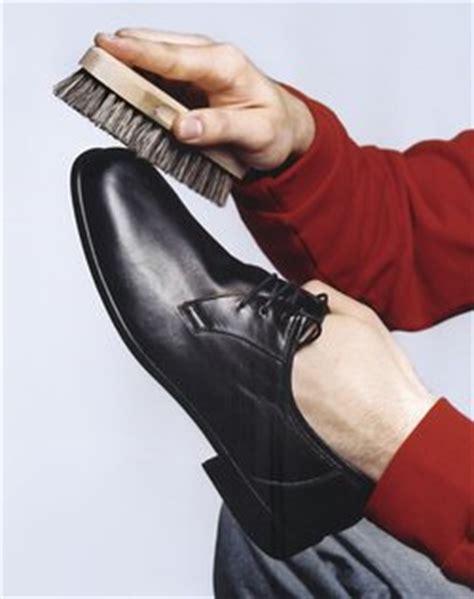 Schuhe Richtig Polieren by Glattleder Pflegen
