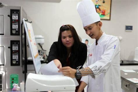 Jam Meja Mini Character Keroppi kursus charpao di creative culinaire school jakarta