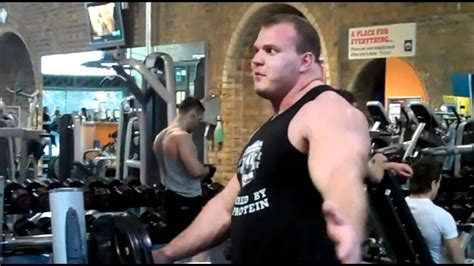 derek poundstone bench press derek poundstone trains chest bench press youtube