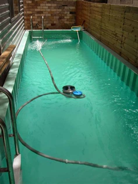 pool running 101 it is actually kind of awesome awe inspiring homes made from re used shipping containers