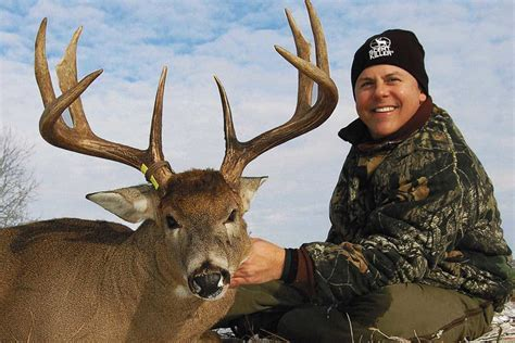 Barometric Pressure and Whitetail Movement   MidWest Outdoors