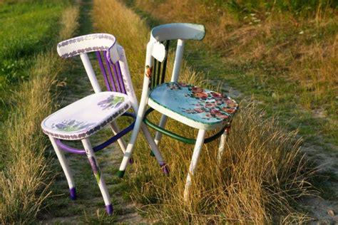 decoupage su sedie di legno decorare una sedia di legno con il decoupage per