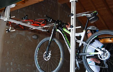 flat bike lift flat bike lift il portabici idro pneumatico da soffitto
