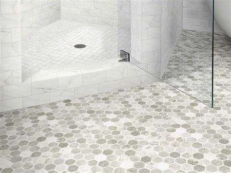 pvc bathroom flooring 17 migliori idee su vinyl flooring bathroom su