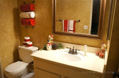 christmas decorations for the bathroom cheerful christmas themed bathroom decor ideas