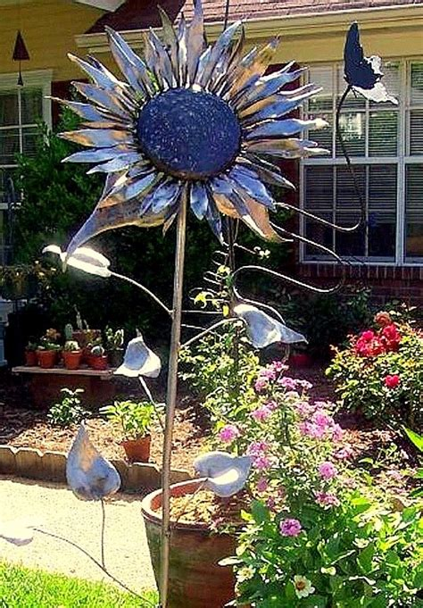Sunflower Garden Ideas Best 25 Sunflower Garden Ideas On Pinterest Country Garden Ideas Galvanized Planters And