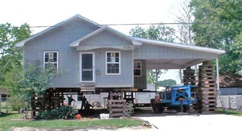 house movers in louisiana devillier house movers and leveling specializing in moving woodframe houses louisiana