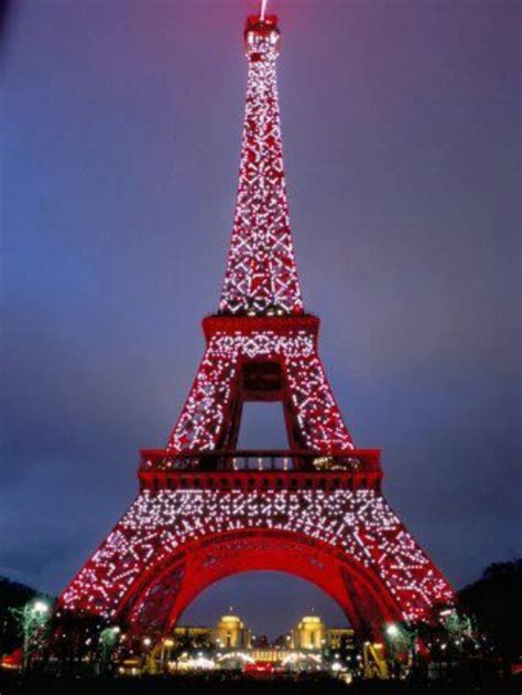 eiffel tower at christmas time christmas pinterest
