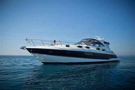 yacht express 2011 cruisers yachts 560 express power boat for sale www