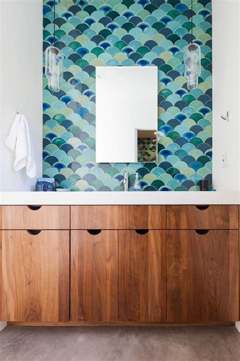 mermaid tile bathroom 25 best ideas about mermaid tile on pinterest beach