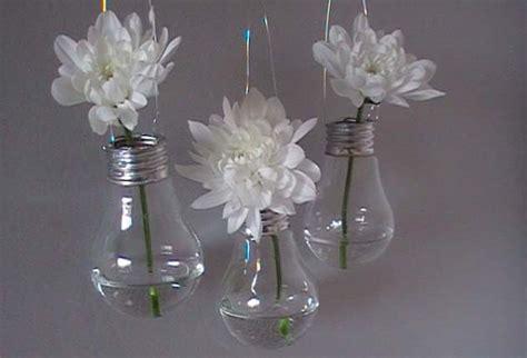 Délicieux Idee Deco Jardin Avec Recup #2: fabriquer-vases-ampoules.jpg?x86467