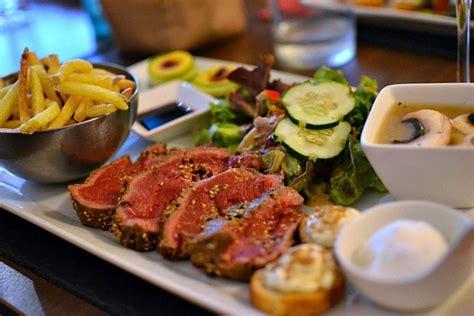 assiette cuisine restaurant l assiette table de cuisine