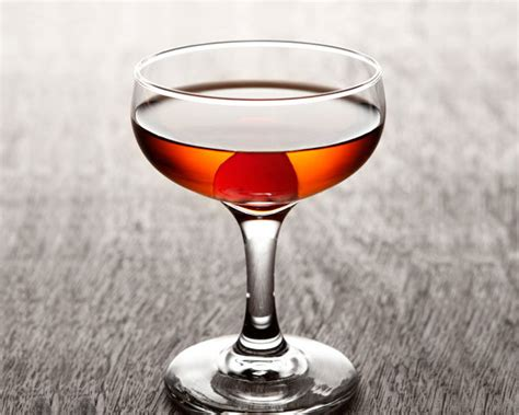 manhattan drink cocktail recipes liquor com