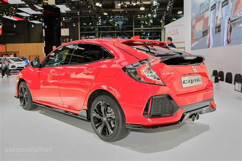 hatchback race cars 2017 honda civic si coupe photo gallery car and driver
