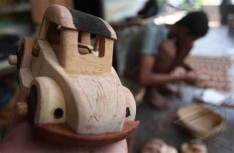 Gergaji Kerajinan cara membuat kerajinan kayu mobil mobilan muda kreatif