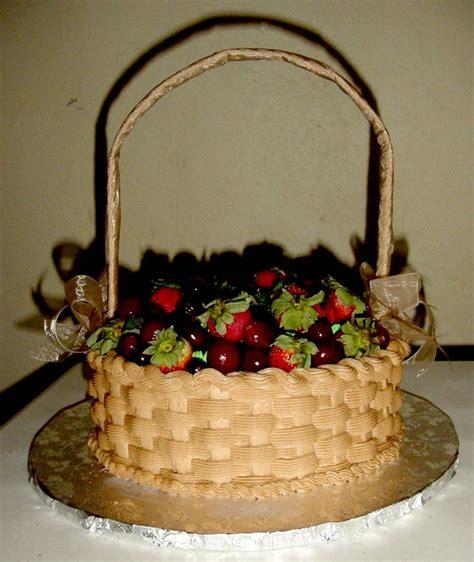 pastel canasta con fresas y uvas   Mis pasteles