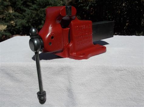 usa made bench vise 30 lb reed 103 1 2 r stationary 3 1 2 quot vise made in usa
