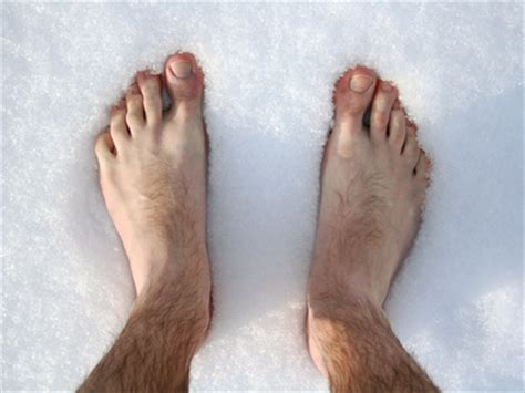 man feet get cold too men s house slippers on luulla blood circulation cold feet and toes not just in winter