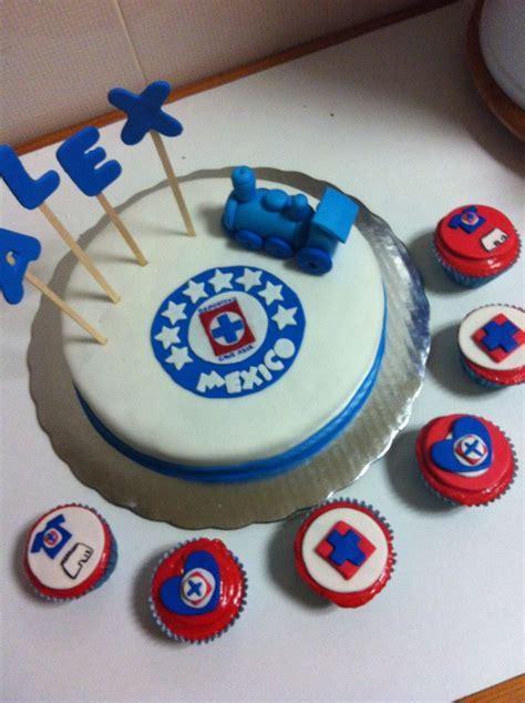 Pastel y cupcakes de cruz azul !   Repostería   Pinterest