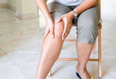 schmerzen im knie im liegen gelenkschmerzen ursachen und therapie gelenkschmerz