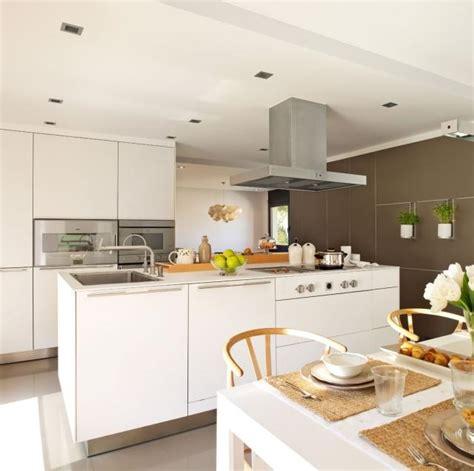 Küchenmöbel Weiß by K 252 Che M 246 Bel Braun K 252 Chen M 246 Bel Braun Or M 246 Bel Braun