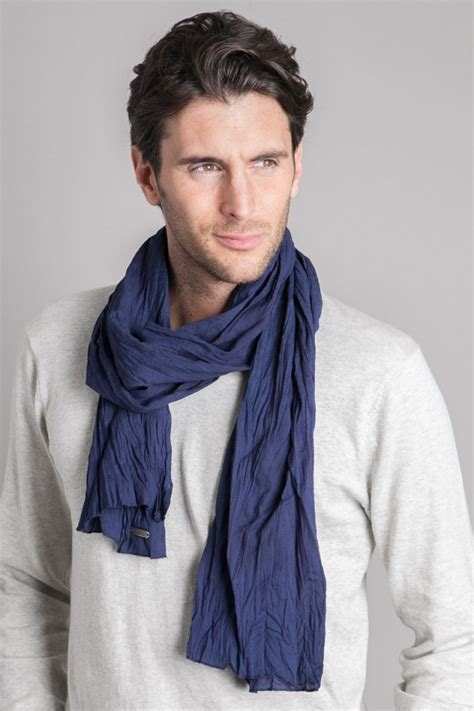 how to wear men s scarves stylishly