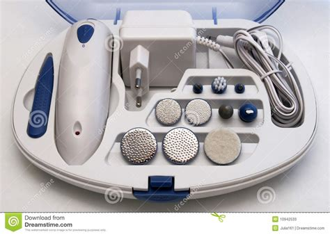 Terlaris Set Menicure Pedicure Manicure Set Meni Pedi Nailart Is electric manicure and pedicure set stock image image 10942533
