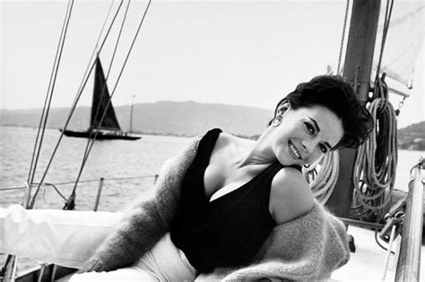 who was on the boat with natalie wood photos photos natalie wood s life 30 years after her