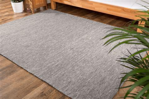 schwarze teppiche einf 228 rbige schwarze teppiche