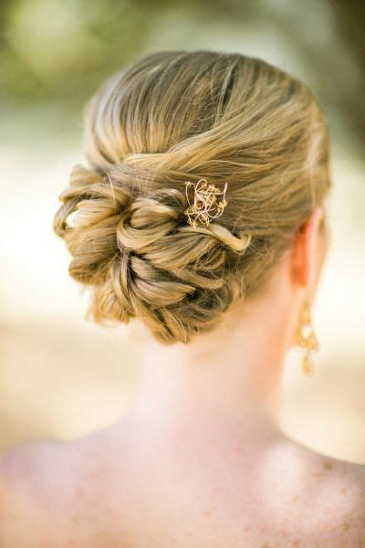 Wedding Hair Relaxed Updos by Best 25 Relaxed Updo Ideas On Side Hairdo