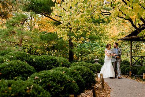 Landscape Arboretum Apple House Caroline Zach Fall Wedding At Minnesota Landscape