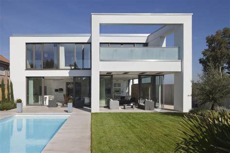 moderne villa moderne villa im mediterranen stil roomido com