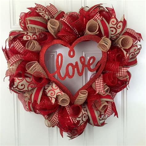 wreath decorations best 25 valentine wreath ideas on pinterest diy