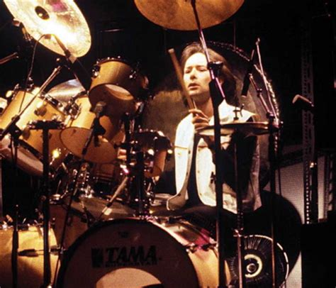 swing drummers brian downey style power and swing with thin lizzy