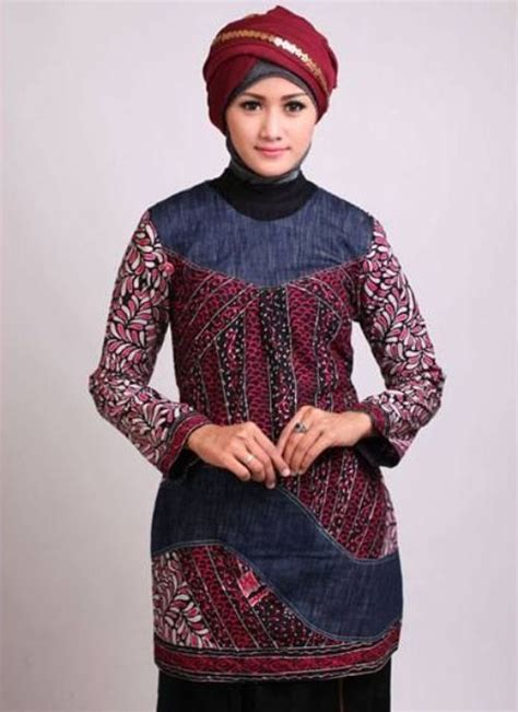 Celana Fatin Muslim Batik Simple berpenilan menarik mengenakan model baju batik 2017
