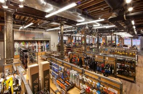 Outdoor Gear Retailer Rei Opens Doors In Soho Velojoy Backyard Store