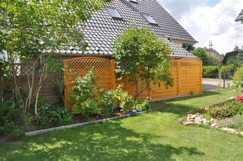 Sichtschutzzaun Zum Nachbarn by Sichtschutzzaun Aus Holz Sichtschutzwand Als Gartenzaun