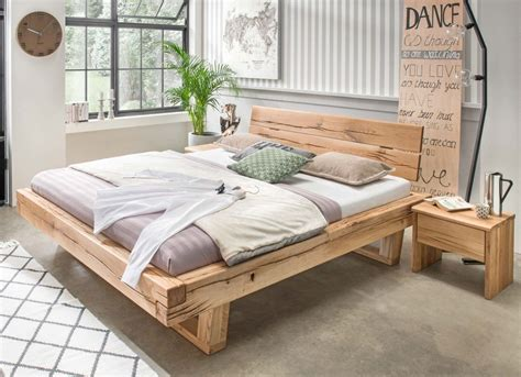 schlafzimmer mit bett 200x200 balkenbett gorm holzbett eiche massiv mit ge 246 lter
