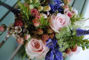 country wedding bouquets ultraviolet floral design ellie s country wedding flowers